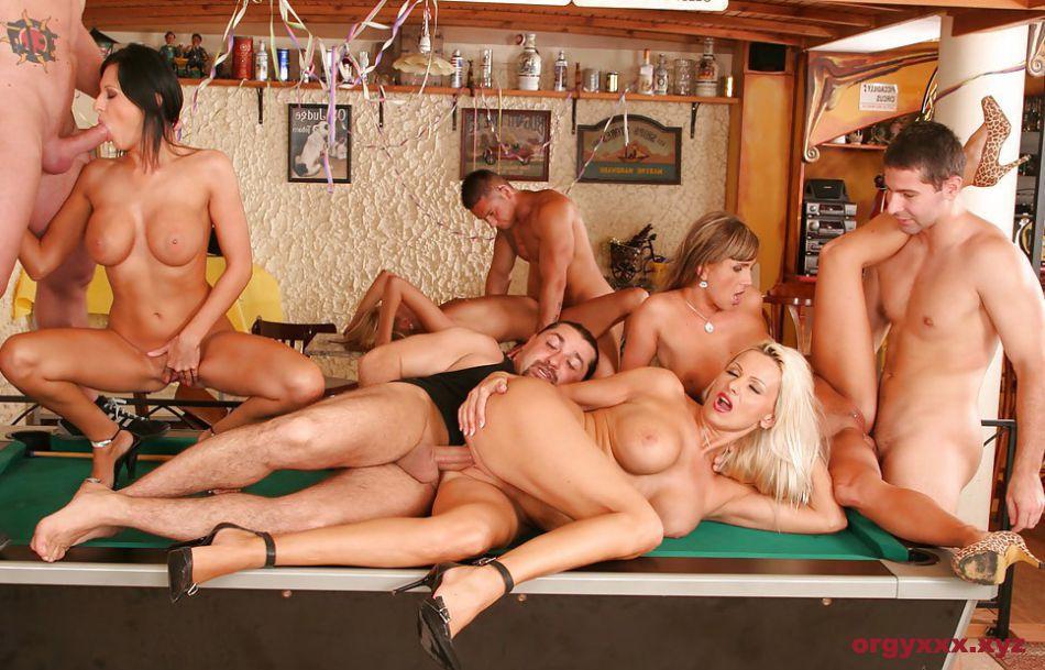 Порно в хорошем качестве фото групповуха